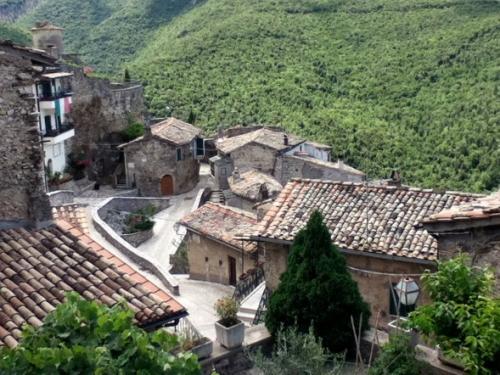 View of buildings below in Roccantica2